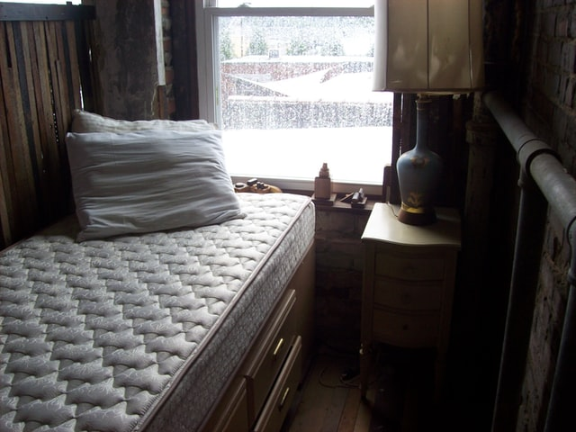 מזרונים, מיטות